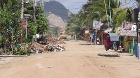 Edificios destruidos por el terremoto potente metrajes