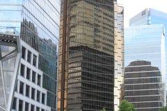 Edificios en edificios fotos de archivo