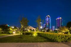 Edificios en el distrito de la ciudad de Grozny Foto de archivo