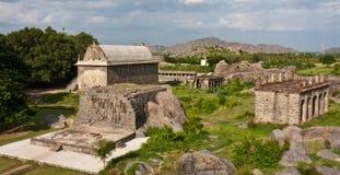 Edificios en la fortaleza de Gingee fotografía de archivo