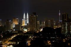 Edificios en la noche Fotografía de archivo libre de regalías
