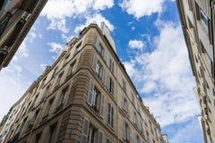 Edificios en París Imágenes de archivo libres de regalías