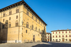 Edificios en Piazza Duomo en Pistóia fotografía de archivo libre de regalías