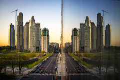Edificios en una ciudad Fotos de archivo