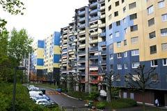 Edificios en una de calles en Ginebra foto de archivo libre de regalías