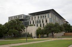 Edificios en Universidad de Texas imagenes de archivo