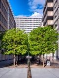 Edificios grandes con los planos en Berlín, Alemania Fotografía de archivo libre de regalías