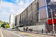 Edificios hermosos en Hollywood Boulevard el paseo famoso de la fama Imagen de archivo libre de regalías