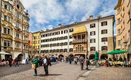 Edificios hermosos en la ciudad Innsbruck, Austria Imagen de archivo libre de regalías