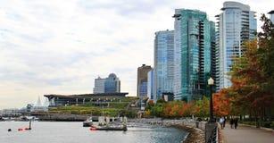 Edificios hermosos, horizonte, puerto del carbón en Vancouver céntrica, Columbia Británica Fotografía de archivo
