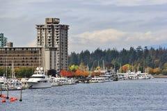 Edificios hermosos, horizonte, puerto del carbón en Vancouver céntrica, Columbia Británica Imagen de archivo