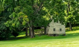 Edificios históricos del claustro de Ephrata en el condado de Lancaster, Pennsylvania Foto de archivo libre de regalías