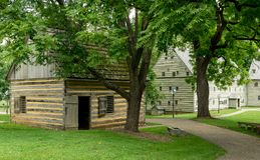 Edificios históricos del claustro de Ephrata en el condado de Lancaster, Pennsylvania Imágenes de archivo libres de regalías