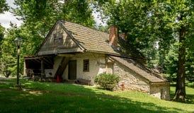 Edificios históricos del claustro de Ephrata en el condado de Lancaster, Pennsylvania Foto de archivo