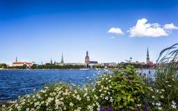 Edificios históricos en Riga vieja foto de archivo libre de regalías