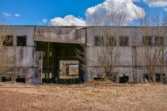Edificios industriales abandonados Campo Imagen de archivo