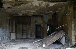 Edificios industriales abandonados de un pueblo y de un asilo abandonados foto de archivo libre de regalías