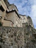 Edificios medievales con las ventanas shuttered Imagen de archivo libre de regalías