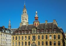 Edificios medievales hermosos en el centro de Lille, Francia fotografía de archivo