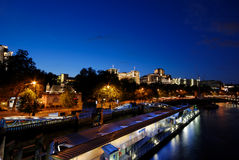 Edificios por el río Thames, Fotografía de archivo libre de regalías