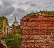 Edificios preservados de la fortaleza antigua en la isla de la nuez fotos de archivo