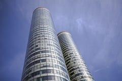 Edificios redondos de la reflexión Imagen de archivo