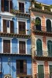 Edificios residenciales coloridos Fotos de archivo libres de regalías