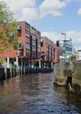 Edificios residenciales en el HafenCity Hamburgo - Alemania - Europa Fotos de archivo libres de regalías