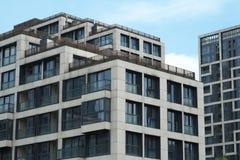Edificios residenciales magníficos Foto de archivo libre de regalías