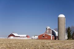Edificios rojos del granero Imagenes de archivo