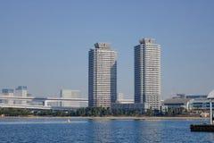 Edificios situados en Odaiba, Tokio, Japón Imagenes de archivo
