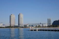 Edificios situados en Odaiba, Tokio, Japón Foto de archivo