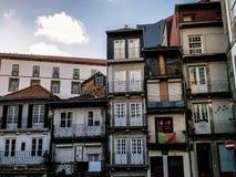 Edificios típicos de Oporto, en Portugal foto de archivo