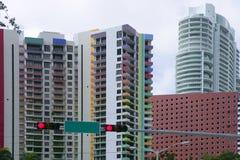 Edificios urbanos céntricos de los rascacielos de la ciudad de Miami imagen de archivo libre de regalías
