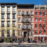Edificios viejos coloridos en el East Village de New York City imágenes de archivo libres de regalías