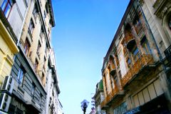 Edificios viejos de la ciudad Fotos de archivo