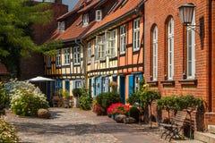 Edificios viejos de la madera en la ciudad histórica Foto de archivo