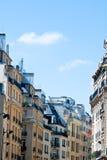 Edificios viejos hermosos de París Imágenes de archivo libres de regalías