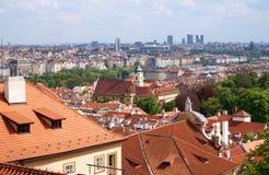 Edificios viejos y nuevos de Praga, de la República Checa - Fotografía de archivo libre de regalías