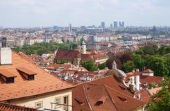 Edificios viejos y nuevos de Praga, de la República Checa - Imágenes de archivo libres de regalías