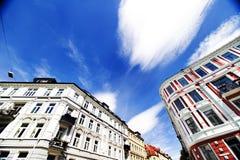 Edificios y cielo azul Imagenes de archivo