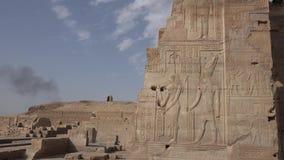 Edificios y columnas de megalitos egipcios antiguos Ruinas antiguas de edificios egipcios almacen de metraje de vídeo