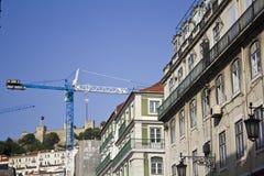 Edificios y grúas de Lisboa foto de archivo libre de regalías