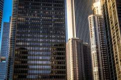 Edificios y skyscrappers corporativos Imagen de archivo libre de regalías