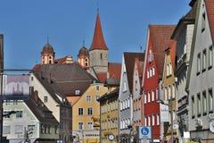 Edificios y templos viejos en el centro histórico de Ellwangen, fotografía de archivo libre de regalías