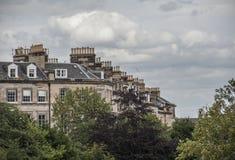 Edimbourg, Ecosse, le BRITANNIQUE - bâtiments et cieux nuageux images libres de droits