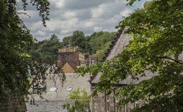 Edimbourg, Ecosse, le BRITANNIQUE - toits et arbres photo stock