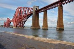 Edimburg Skottland fjärde bro royaltyfria foton
