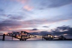 Edimburgo adelante puentea puesta del sol Fotos de archivo libres de regalías