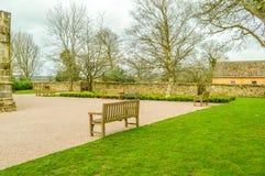Edimburgo, Reino Unido - 6 de abril de 2015 - jardim do interior da capela de Rosslyn Foto de Stock